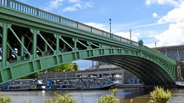 le-pont-de-la-motte-rouge-tout-vert