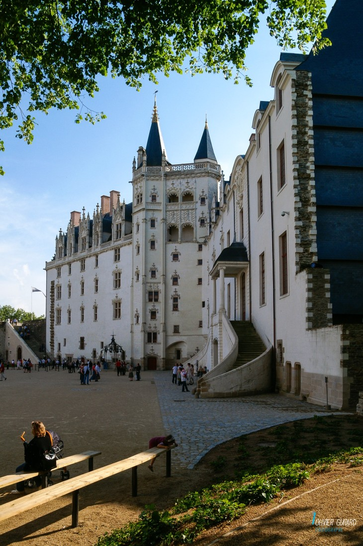 Olivier-Guitard_cour-chateau-Nantes